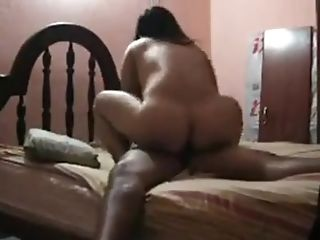 First-timer Wifey Gets Her Muff Fucked By Her Hubby In Sofa.