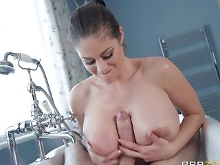 Cathy Heaven Gets Her Cunt Banged In The Bathroom By Her Friend
