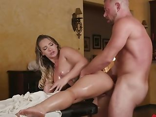 Instead Of Oily Rubdown Sexy Cali Carter Gets Fucked From Behind
