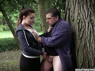 While Jogging Fresh Beauty Teressa Bizarre Lures Older Neighbor For Bang-out