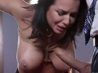 Tied Up Big-chested Hooker Veronica Avluv Luvs Xxx Double Penetration Handballing