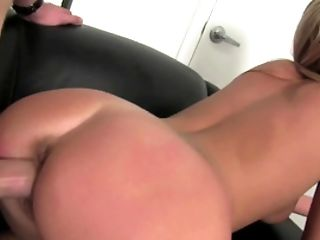 Black Leather Armchair Becomes The Throne Of Fucky-fucky For Blonde Lady